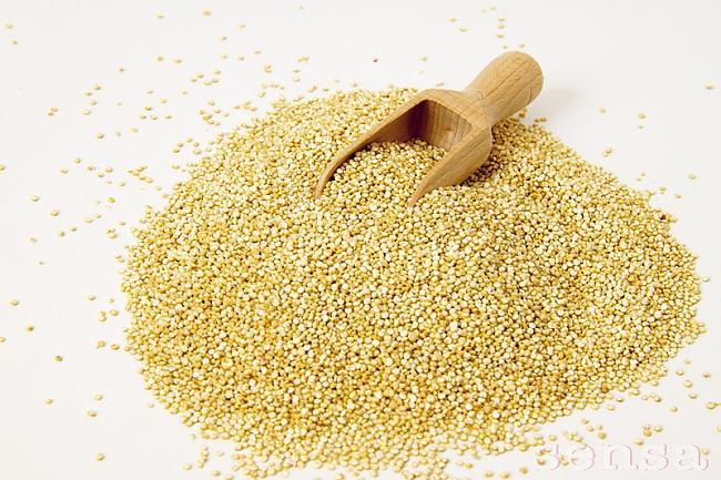 Kvinoja sēklasLai organisms... Autors: bodyfitme Ēdieni,kas palīdz zaudēt svaru