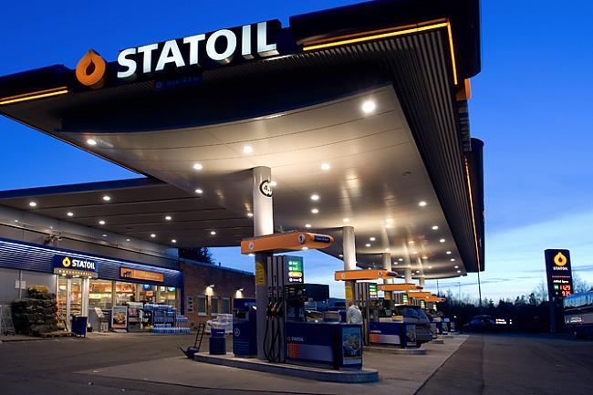 Degvielas uzpildes stacijā... Autors: Coyots Anekdotes