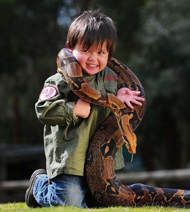 Autors: RFelkers Pats jaunākais čūsku savaldītājs